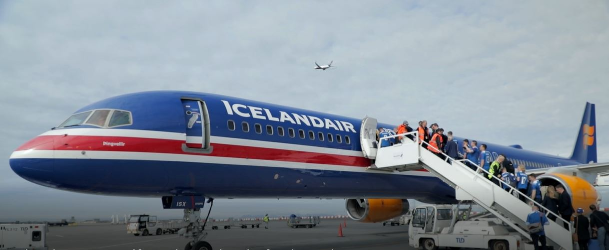 AkzoNobel and Icelandair let fly with stunning new livery