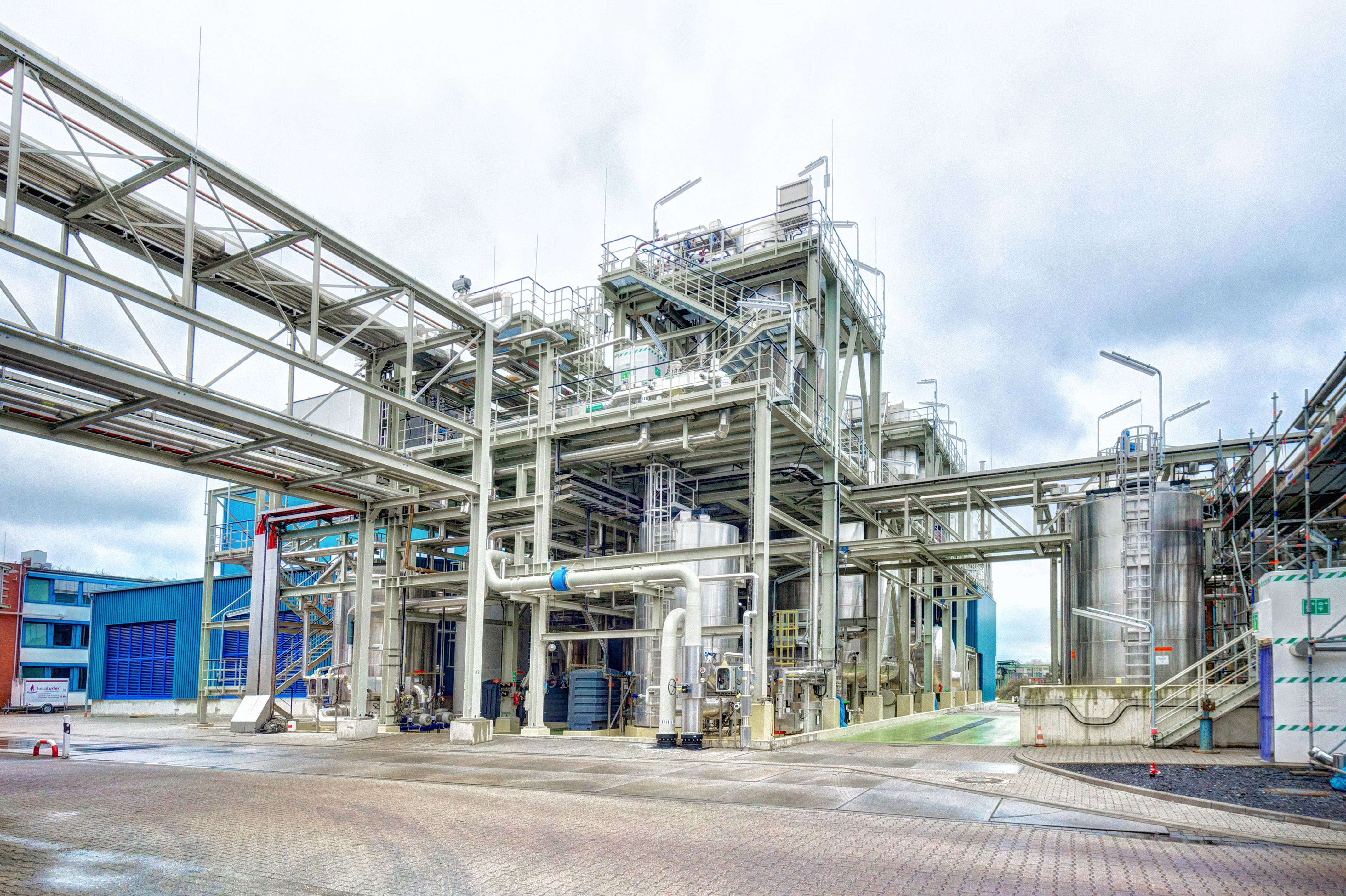 AkzoNobel and Evonik start up joint venture plant for chlorine and potassium hydroxide